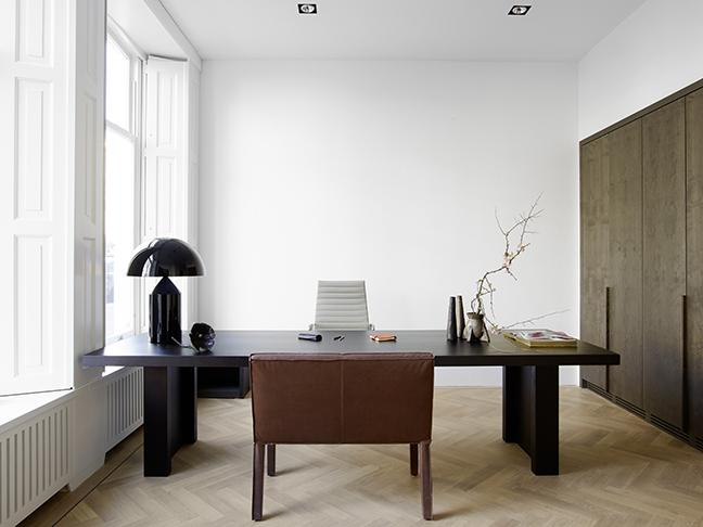 GERRIT table, MINNE chair, Piet Boon by Zonnelux shutters