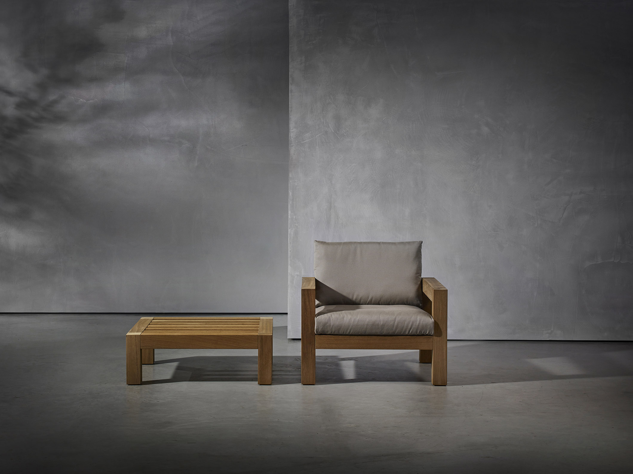 LARS armchair and coffee table