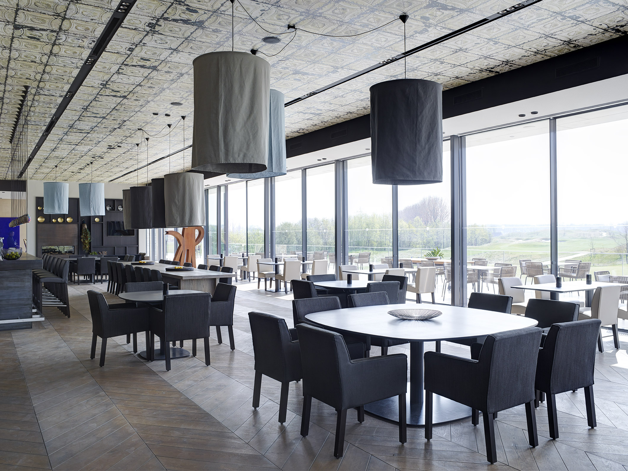 The International Amsterdam golf club with KEKKE table