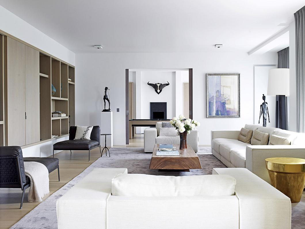 Paris Luxury Apartment with DIEKE sofa