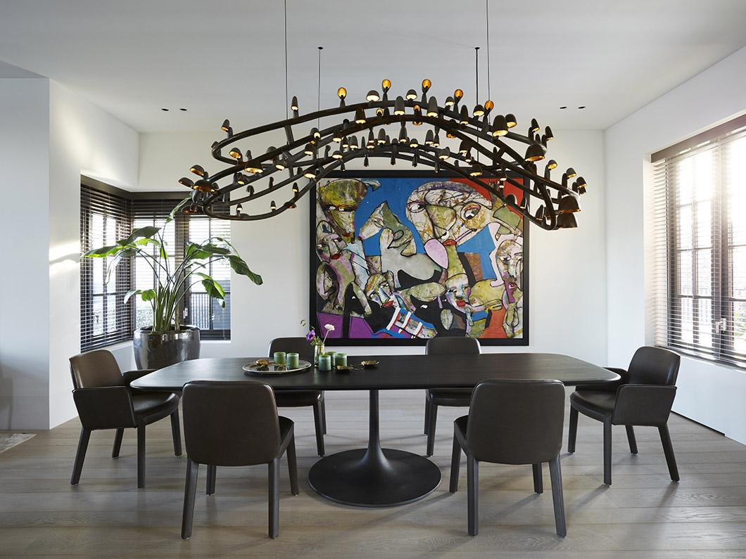 Dining room with table, MINNE chairs, art and bronze lighting sculpture or chandelier by Studio Molen, Frederik Molenschot