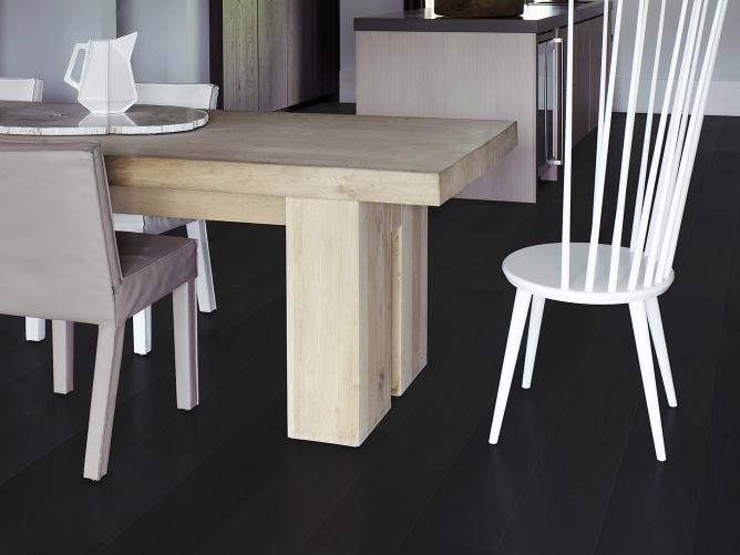 Flooring by Solidfloor and SAAR dining chair