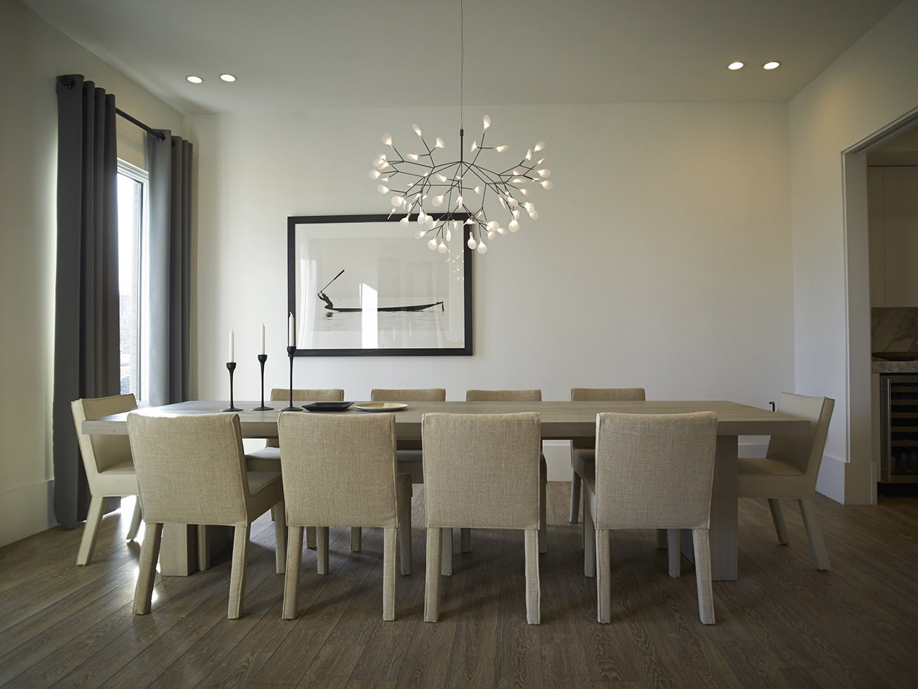 Hovnanian homes at Willowsford with GERRIT table and SAAR dining table