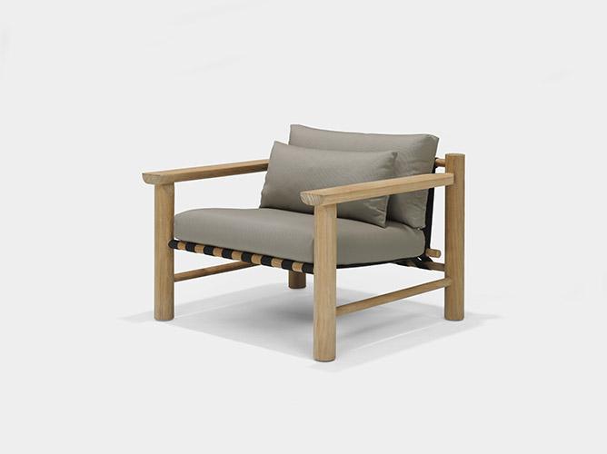 HIDDE armchair