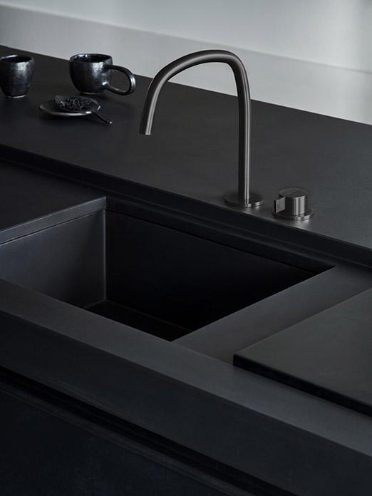 Matte black MASS kitchen with Cocoon tap