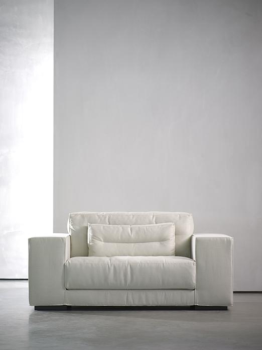 DIEKE armchair