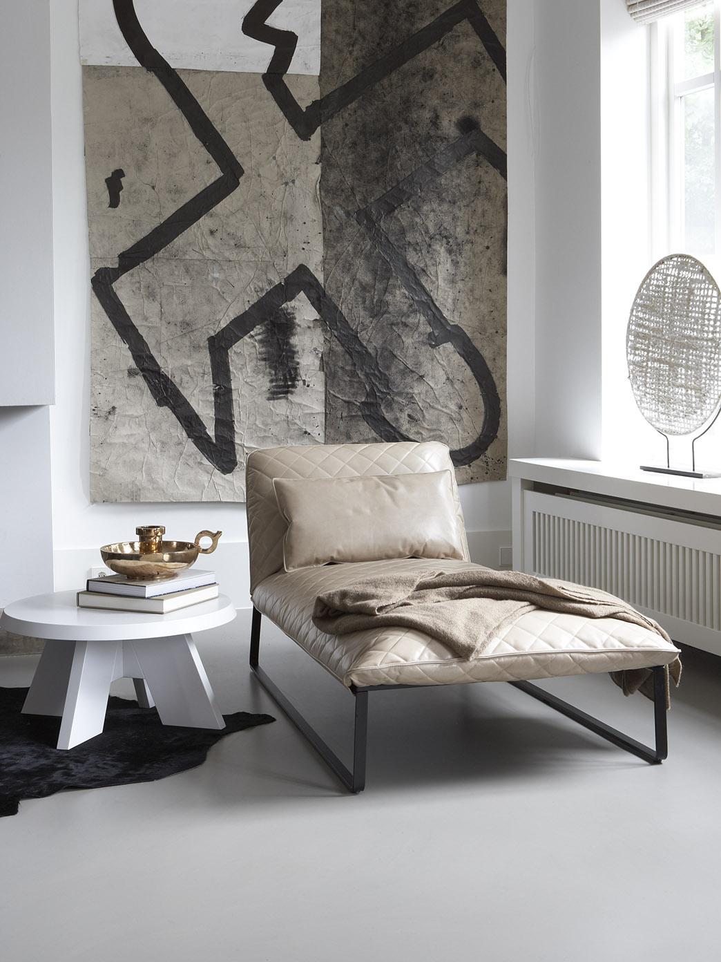 KEKKE longchair and ITSKE coffee table at writers studio