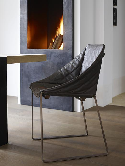 KEKKE dinging chair and YKE dining table
