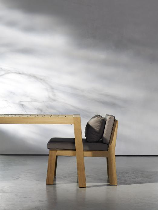 NIEK armchair and ANNE table