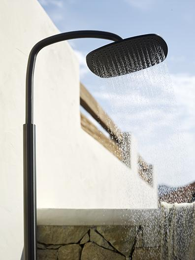 Outdoor shower by COCOON