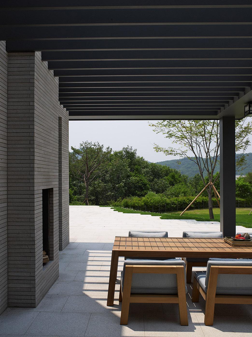 Oak Valley Residential Resort ANNE table and NIEK armchair
