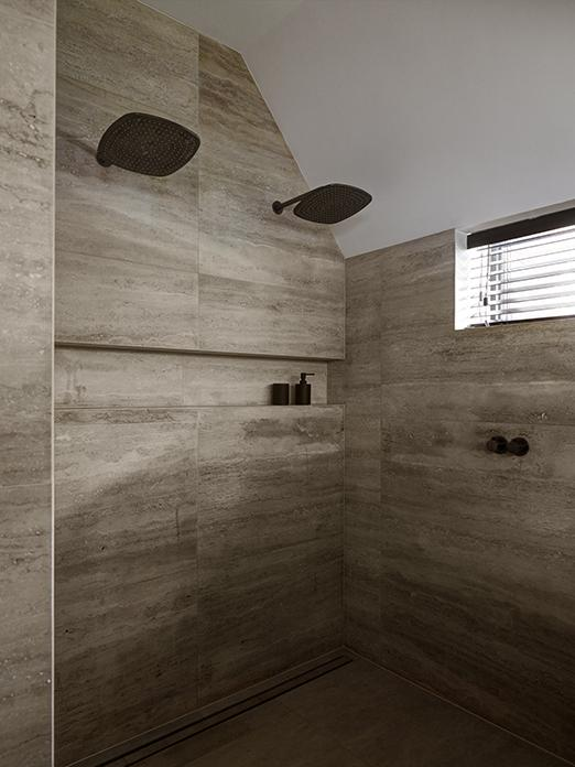 Shower set by Cocoon
