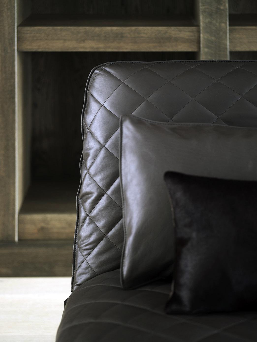 KEKKE longchair at Dutch farm house